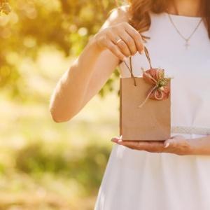 איך מקצרים משמעותית את זמן קניית המתנה ליולדת?