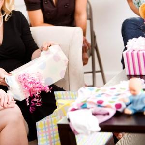קונים חבילת מתנות ליולדת? כל מה שחשוב לזכור