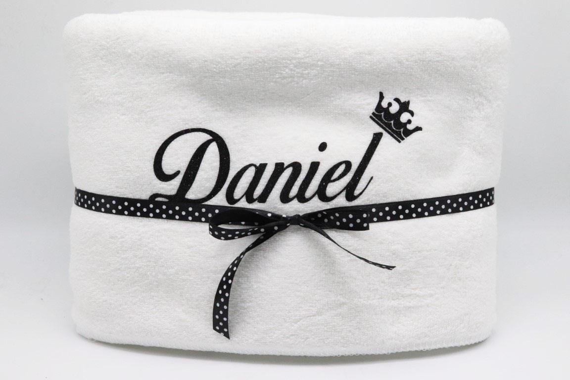 מגבת גוף עם שם אישי שחור נצנצים