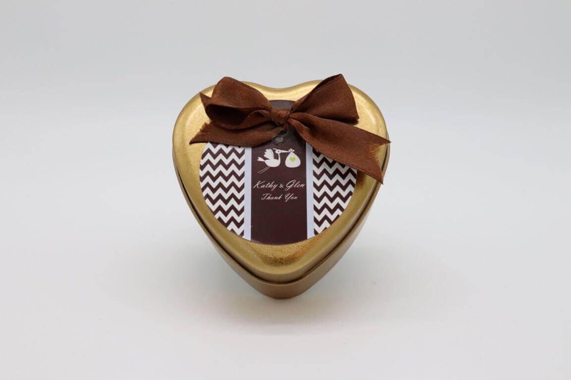 קופסא לב במילוי סוכריות והקדשה אישית